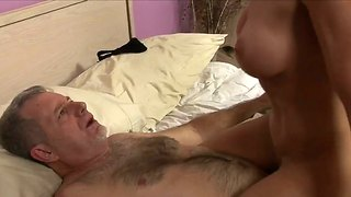 Tiete, 69, Ouer, Bed, Hard